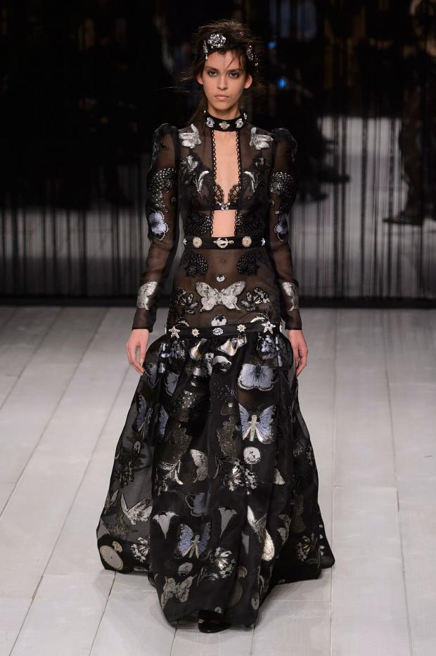 alexander-mcqueen-autumn-fall-winter-2016-lfw23